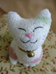 Sock-Animal, White Cat with Hearts Patterns