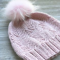 A collection of free knitting and crochet patterns from across the Internet, and photos of fiber. Knitting Stitches, Knitting Patterns Free, Knit Patterns, Free Knitting, Loom Knitting, Stitch Patterns, Knit Crochet, Crochet Hats, Crochet Granny