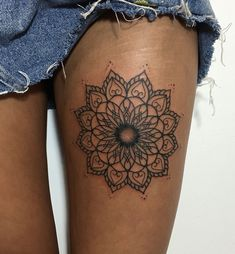 mandala tattoo © Hannah Nickson