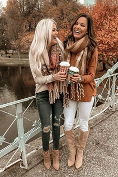 Simple Fall Outfits, Cute Winter Outfits, Mom Outfits, Winter Fashion Outfits, Look Fashion, Autumn Winter Fashion, Latest Outfits, Outfits With Boots, Fashion 2020