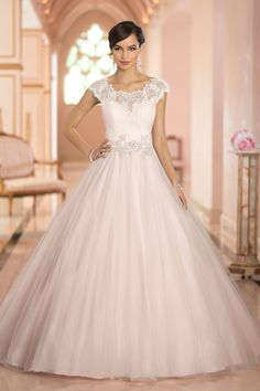 10 Wedding Ball Gowns you must see before you go wedding dress shopping