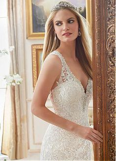 Buy discount Elegant Tulle V-neck Neckline Mermaid Wedding Dresses With Lace Appliques at Dressilyme.com
