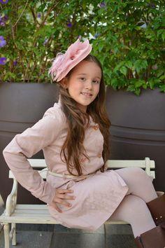 Gigi, uma verdadeira Princesa Londrina! Fascinator Gloss Acessórios & Ateliê por Ivone Almeida