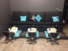 [New] The 10 Best Home Decor (with Pictures) - Triple Retreat with friends us always great. Things you take for granted comfy pedicure takes it all away. Nail Salon Design, Nail Salon Decor, Beauty Salon Decor, Salon Interior Design, Pedicure Tub, Pedicure Chair, Pedicure Station, Esthetician Room, Home Salon
