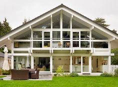 An eco hufhaus in rural Oxfordshire