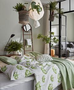 Bedroom with industrial glass wall, green bedding and green plants. Ideas how to decorate with the biggest trends Room, Green Bedding, Apartment Interior, Bedroom Interior, Bedroom Diy, Bedroom Green, Small Bedroom, Apartment Inspiration, Sage Green Bedroom
