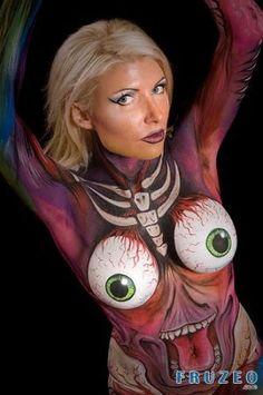 """Amazing Women Body Paint Art"" HAHA those eyeballs though....... Very kewl & creative job to whomever the artist is!"