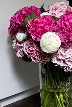 peonies and hydrangeas -- my two favorites. Beautiful.