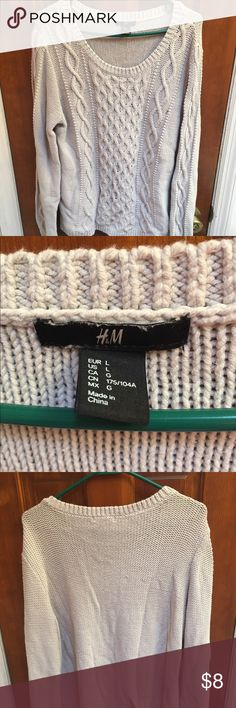 Gray Chunky Knit Sweater H&M L Nice thick sweater. Light Gray. Used but in good shape. No major issues. H&M Sweaters Crew & Scoop Necks