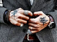 Small, cool female and male Hand Tattoos Ideas. Unique hand tattoos for couples, men and women for inspiration with complete tattoo guide. Hand Tats, Hand Tattoos For Guys, Trendy Tattoos, Finger Tattoos, Body Art Tattoos, New Tattoos, Small Tattoos, Sleeve Tattoos, Tatoos