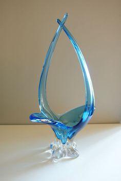 Signed Chalet Art Glass Blue Sculptural Basket/Bowl | eBay Blown Glass Art, Art Deco Glass, Glass Wall Art, Glass Bottles, Glass Vase, Blue Home Decor, My Glass, Glass Collection, Murano Glass