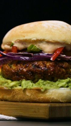 How to Make Best Burger - Delicious Burger - easy tasty hamburger recipes - burger ideas - vegan burger for diet - wet loss burger - low carb burger Turkey Burger Recipes, Meat Recipes, Mexican Food Recipes, Chicken Recipes, Cooking Recipes, Healthy Recipes, Barbecue Recipes, Cooking Tips, Burger Bar