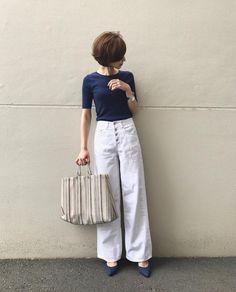 いいね!2,794件、コメント13件 ― Yuriさん(@yuricookie)のInstagramアカウント: 「・ ・ earrings/ @mon.tresor14 ・ ミントグリーンのベースにピンクパープルのお花や白いお花が詰め込まれているよ❁❁❁ 爽やかな色合わせ♡ コインパールもかわいい♡…」 Cute Fashion, Fashion Pants, Fashion Looks, Fashion Outfits, Minimalist Fashion Women, Minimal Fashion, Classy Outfits, Chic Outfits, Japan Fashion