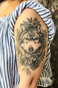 awesome wolf tattoo ideas for women © tattoo artist Vic Nascimento ❤📌🌺❤📌🌺❤📌🌺❤📌🌺❤ Dog Tattoos, Animal Tattoos, Body Art Tattoos, Sleeve Tattoos, Tatoos, Wolf Tattoo Sleeve, Tattoo Art, Arm Tattoo, Wolf Tattoos For Women