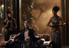 Pin for Later: The Best Shirtless Movie Moments of 2015 Jupiter Ascending This movie may not have been Oscar worthy, but Oscar winner Eddie Redmayne did get to show off his other (shirtless) talents.