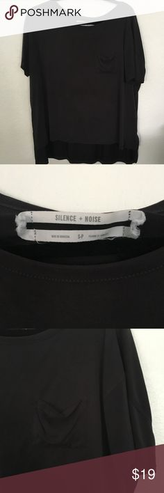 UO Soft Gray Pocket Tee Super soft oversized fit gray pocket tee from Silence and Noise by Urban Outfitters. Great used condition. Urban Outfitters Tops Tees - Short Sleeve