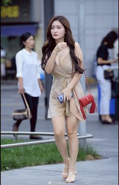 Girls fashion: New girl photography Beautiful Asian Women, Beautiful Legs, New Girl, Actrices Sexy, Models, Sexy Asian Girls, Girl Photography, Japanese Girl, Sexy Legs
