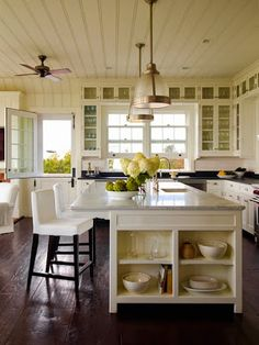 Traditional Shingle-Style Summer Home | East Hampton, NY - Brunch at Saks