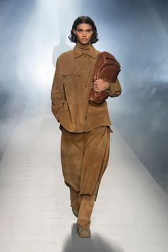 Alberta Ferretti Fall 2021 Ready-to-Wear Collection | Vogue High Waisted Slacks, Denim Suit, Runway Magazine, Milano Fashion Week, Vogue Russia, Alberta Ferretti, Fashion Show Collection, Live Fashion, How To Feel Beautiful