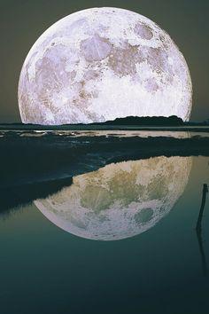 "Reminds me of the moon in ""Joe Verses the Volcano"" (Tom Hanks -Meg Ryan movie)"