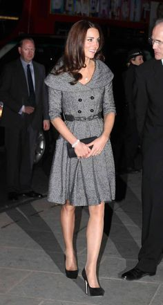 http://www.mirror.co.uk/3am/style/kate-middleton-wraps-up-in-a-1950s-inspired-678501