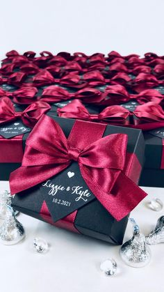 Handmade Wedding Favours, Gold Wedding Favors, Elegant Wedding Favors, Wedding Gift Bags, Wedding Gifts For Guests, Wedding Favor Boxes, Personalized Wedding Favors, Burgundy Wedding, Red Wedding