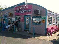 Oink's Dutch Treat Ice Cream & Yogurt Shop, New Buffalo, MI
