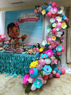 Moana Themed Balloon Garland with Paper Flowers by Cake/Sweet Table styled by - Balloon Decorations 🎈 Moana Birthday Party Theme, Moana Themed Party, First Birthday Parties, Cake Birthday, Birthday Table, Birthday Diy, Moana Birthday Cakes, Birthday Balloons, Balloon Decorations Party