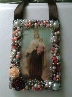 Escapulario Vintage Jewelry, Handmade Jewelry, Catholic Jewelry, Religious Art, Jewelry Crafts, Decoration, Jewelry Making, Frame, Gifts