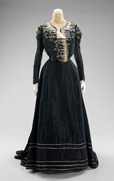 1898-1900 two-part silk afternoon dress by Jeanne Hallee.