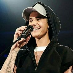 Image about smile in justin bieber ❤ by veraaa_ Call Maybe, Justin Bieber Smile, Justin Bieber Wallpaper, My Big Love, Favorite Person, Hot Boys, My Photos, At Least, Husband
