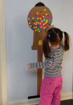 10 Creative Label Crafts for Kids from Inner Child Fun -- No mess! This gumball machine would be cute to track # of American Girl books read (or a sticker for so many minutes read) during the summer. 100 Days Of School, Sunday School, School Stuff, School Starts, Frugal Family, Reward System, Behaviour Chart, Gumball Machine, 100th Day