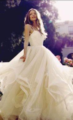 Lauren Elaine MAGNOLIA - LEBR00163MA: buy this dress for a fraction of the salon price on PreOwnedWeddingDresses.com