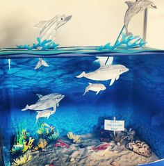 Ava's Ocean Diorama. Under the Sea. ideas Ava's Ocean Diorama. Dolphin Habitat, Ocean Habitat, School Projects, Projects For Kids, Art Projects, Project Ideas, Ocean Projects, Animal Projects, Dolphin Craft