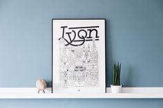 Lyon / 32x45 cm / Docteur Paper / Travel With Me / Illustration / Voyage / Affiche / Ville / Décoration murale / Noir et Blanc/ Map / Design