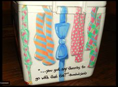 I want to paint a cooler! life-love-laughter: Love these bowties! Makes me miss cooler painting… Fraternity Coolers, Frat Coolers, Cute Crafts, Diy Crafts, New York Snow, Bubba Keg, Coolest Cooler, Cooler Painting, Sorority Life