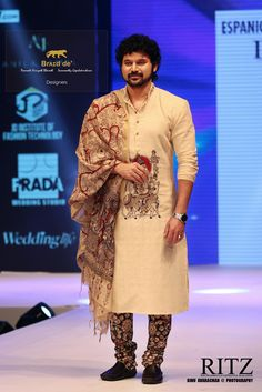 Ideas How To Wear Shorts Men Casual is part of Kurta men - Wedding Dress Men, Wedding Men, Wedding Attire, Kalamkari Kurta, Kurti, Gents Shirts, Designer Dress For Men, Kalamkari Designs, Boy Outfits