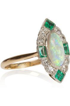 Edwardian.18k Gold, Opal, Emerald and Diamond Ring.