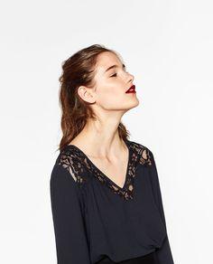 Imagem 1 de BLUSA C/DECOTE EM V da Zara