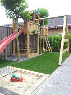 Ideale opstelling voor onze speelplek ,wel huisje dichtmaken aan de kant van de buren