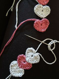 Happy Berry Crochet: Quick and simple crochet heart bracelet pattern: Perhaps I could make this into an ornament with 3-5 hearts