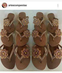 Flip Flop Craft, Decorating Flip Flops, Summer Slippers, Flip Flop Shoes, Palm Beach Sandals, Wedge Shoes, Bff, Wedges, Flats