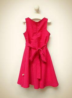Lilou Rouge // Vestido confeccionado en voile de algodón estampado en rojo claro con pintitas blancas.