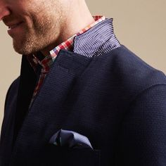 completewealth:  Pop it.  File under: Blazers, Pocket squares, Gingham, Woven, Pin dots  COMPLETE WEALTH MAG
