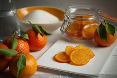 La receta que tanto me habéis pedido y que es fabulosa para adornar vuestros roscones de Reyes y vuestros panes: mandarinas confitadas.