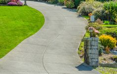Concrete Driveway Majority of old homes and commercial buildings have concrete driveways because those days drive ways neither ne. Garden Path Ideas Gravel, Garden Paving, Garden Paths, Garden Ideas, Block Paving Driveway, Gravel Walkway, Driveway Resurfacing, Crazy Paving, Brick Path