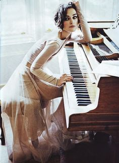this is such a beautiful picture of Kira knightley