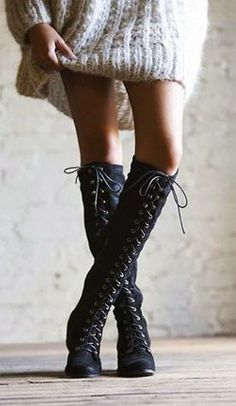 Luv to Look   Curating Fashion & Style: Spring fashion   Oversize sweater and boots