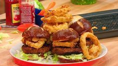 Burgers with onion rings