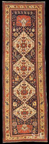 Shirvan, Caucaso orientale, seconda metà del XIX secolo, lana su lana, 318 x 100 cm